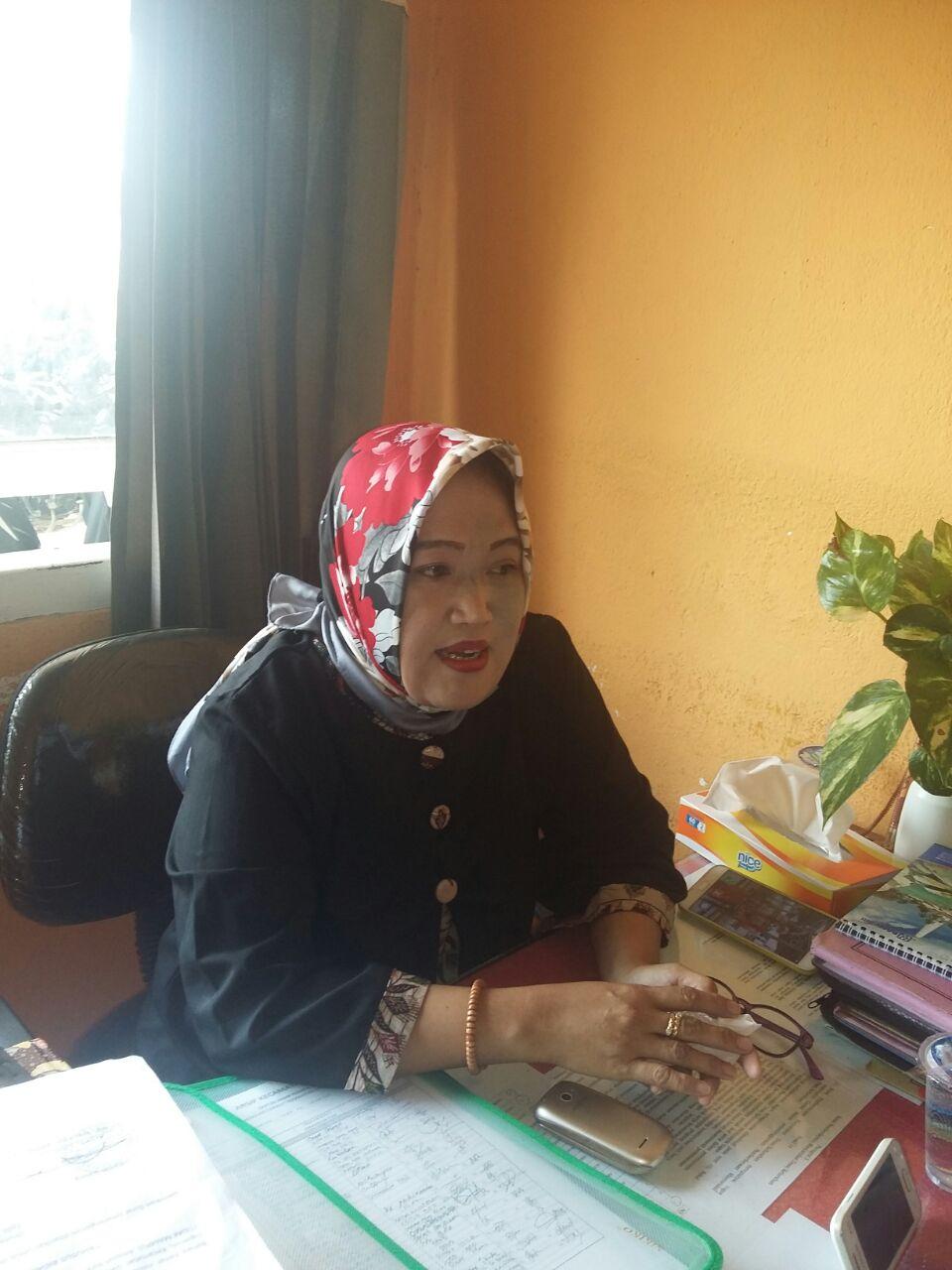 Erliyanti F Hakim