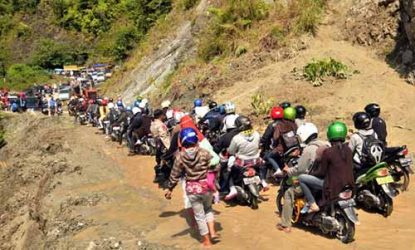 Longsor di Lutim Akibatkan Jalur Trans Sulawesi Terputus