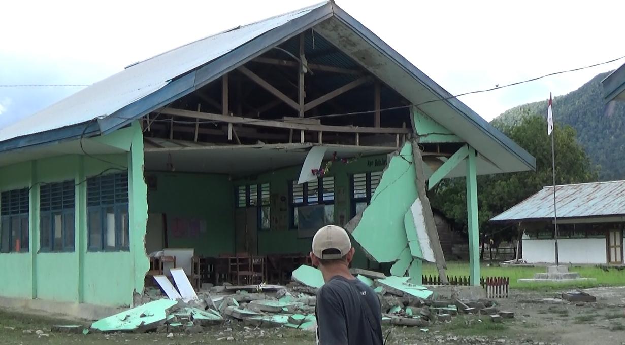 Rumah Rusak Gempa Poso