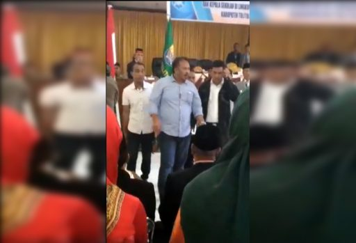 Simak Videonya, Bupati dan Wakil Bupati Tolitoli Nyaris Adu Jotos