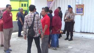 VIDEO: Merasa Ditipu, Puluhan Warga Datangi Kantor Madina Land