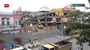 VIDEO: Hilangkan Trauma Pascagempa, Mall Tatura Palu Dibongkar