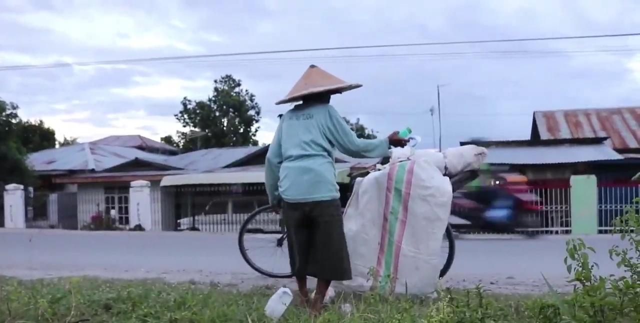 Nenek di Sigi8
