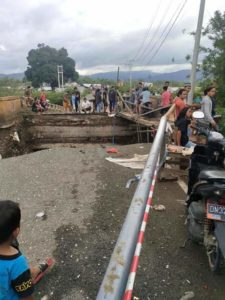 Jembatan Rusak Akibat Banjir Bandang, Jalur Transportasi ke Morowali Terputus