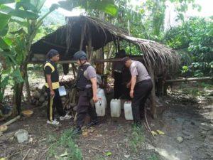 Polsek Lampasio di Tolitoli Sita Puluhan Liter Miras Lokal