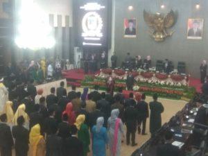 45 Anggota DPRD Sulteng 2019-2024 Dilantik, Nilam Sari Lawira Terpilih Ketua Sementara