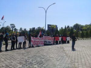 Terkait RKUHP dan RUU KPK, HMI MPO Unjuk Rasa di DPRD Morowali