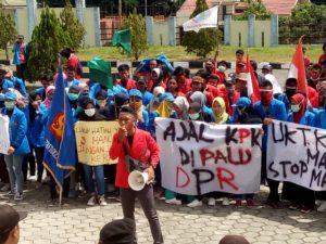 AMM Unjuk Rasa di Gedung DPRD Morowali, Menolak RUU KPK dan RUU Lainnya Disahkan