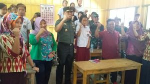 Tim Wasev TNI Pantau Langsung Sarana Pendidikan di Lokasi TMMD