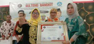 Empat Penyair Senior Sulteng  dapat Penghargaan dari FAM Indonesia