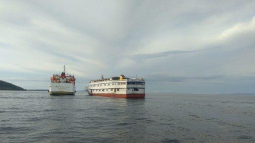 Nyaris Tenggelam di Perairan Bulagi Utara, KM Eklesia Dibantu KM Tol Laut