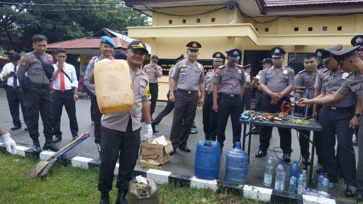 Jelang Pergantian Tahun, Polisi di Buol Amankan Ratusan Liter Miras dan Puluhan Sajam
