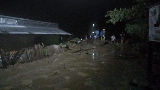 Korban Banjir BolaPapu Mengungsi di Tiga Titik