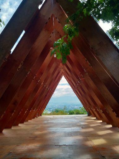 Bukit Gawalise, Spot Swafoto Baru yang Instagramable