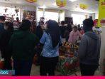 Warga Kota Palu Mulai Serbu Supermarket