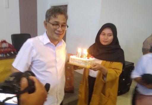 Diberi Kejutan Ulang Tahun di Palu, Budiman Sudjatmiko: Hari Ini Ulang Tahun Keluarga Cendana