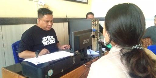 Diterlantarkan dan Tak Dinikahi Secara Dinas, Istri Oknum Polisi ini Melapor ke Propam Polda Sulteng