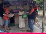 Bantu Warga Miskin, Komunitas Trail Poso Salurkan Masker dan Sembako