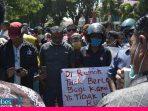 Hunian Tetap Tak Kunjung Usai, Ratusan Penyintas Petobo Sambangi Kantor DPRD Sulteng