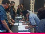 KPU Poso Terima Dokumen Syarat Dukungan Perbaikan Bapaslon Perseorangan Samsuri – Tony