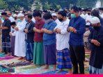 Sholat Idul Adha di Poso Terapkan Protap Kesehatan, Jamaah Dibagikan Masker Hingga Tak Saling Jabat Tangan