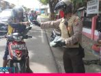 Sabhara Polres Banggai Patroli Rutin Sambil Bagi-bagi Masker