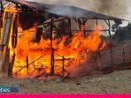 Aparat Gabungan Bakar Tempat Sabung Ayam di Bahodopi