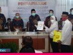 Tantang Tiga Kandidat Pilkada Palu, Jagoan Golkar-Gerindra Daftar ke KPU