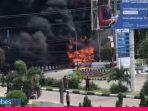 Video : Gara-gara Korek Api Meledak, Mobil Minibus Terbakar di SPBU Palu