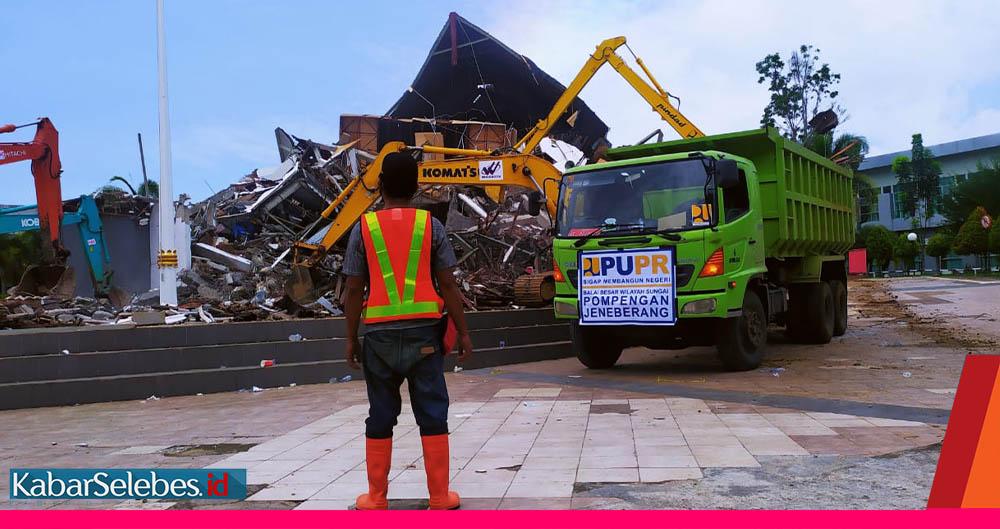 Kantor Gubernur Sulbar pasca gempa