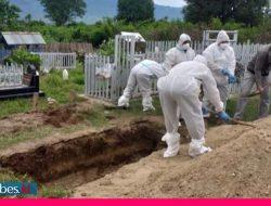 Cegah Kerumunan, Pemakaman Warga Terpapar Covid-19 di Sigi Dijaga Petugas