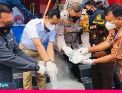 1,7 Kg Sabu asal Malaysia Dimusnahkan, Satu dari Tiga Pelaku Berstatus Mahasiswa