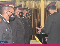 HUT Bhayangkara ke-75, Kapolres Berikan Reward kepada Personil Berprestasi