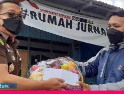Kejati Sulteng Bantu UMKM dan Jurnalis Terpapar Corona