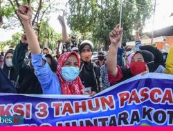 Tuntut Hak Pasca Tiga Tahun Bencana, Penyintas Palu Geruduk Kantor Walikota