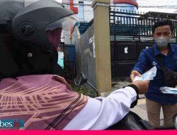 Bagikan Ratusan Paket Masker dan Vitamin, Jurnalis di Palu Ajak Masyarakat Patuhi Prokes