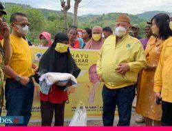 Bantu Pemulung di Tengah Pandemi, Fraksi Golkar DPRD Sulteng Bagikan Paket Sembako