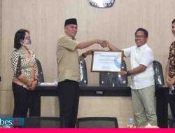 Sukses Gelar Pilkada, KPU Poso Raih Penghargaan Kualitas Pelayanan Publik Terbaik