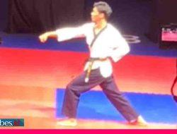 Medali Emas Pertama Sulteng dari Cabor Taekwondo